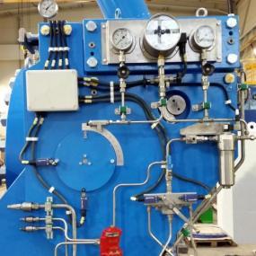 Commande hydraulique et électrique